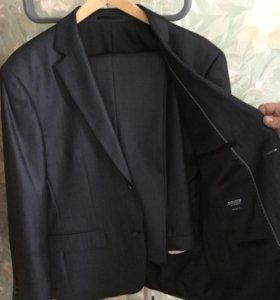 Новый мужской костюм р.52