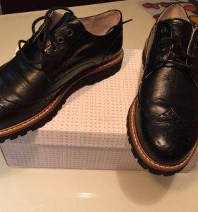 Женские новые осенние туфли