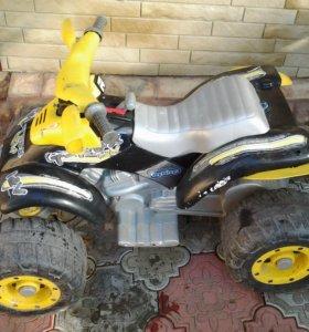 Детский квадроцикл peg-perego t-rex 12v