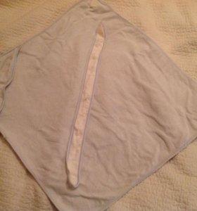 Два полотенца и легкий плед для малыша