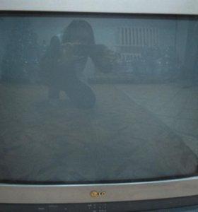 Телевизор LG 68 см