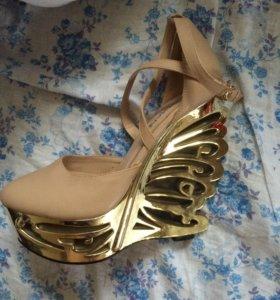 Продам туфли за 2500 покупала за 4500,