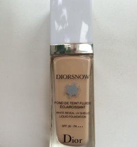 Тональная основа Diorsnow