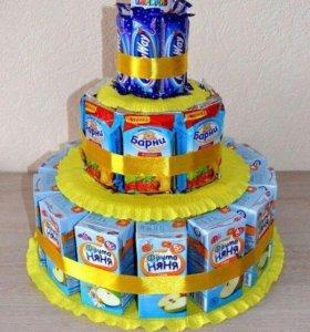 Торты из сока и сладостей.