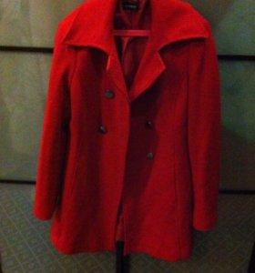 Красное пальто motivi
