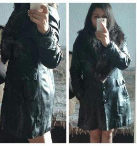 Женская кожаная зимняя куртка