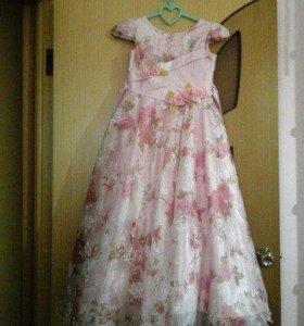Красивое и пышное платье на девочку