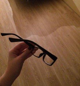 Очки с диоптрией -1