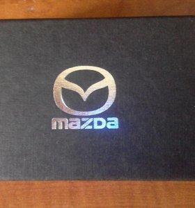 Брелок Mazda.