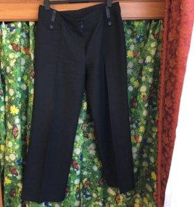 Женские брюки шерсть54 размер