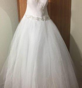 Очень классное свадебное платье.