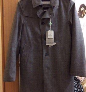 Новое пальто Esemplare