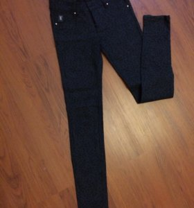 Плотные эластичные брюки