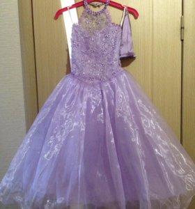 Платье на праздники, выпускной.