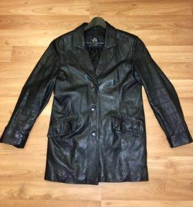 Женский кожаный пиджак 48