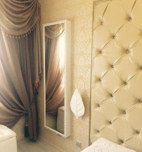 Гладильная доска в зеркальном шкафчике с багетом