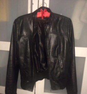 Кожаная куртка р-р 44