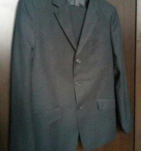 Мужской классический костюм р-р 44-46