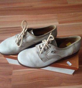 Ботинки новые кожаные