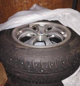 Колеса литые на Пежо (диски+шины шипы)