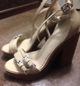 37 Босоножки / летние туфли Zara