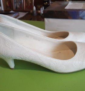 Свадебные туфли 41-42 р-р