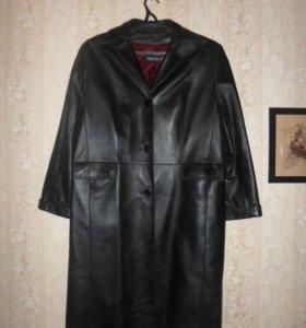 Пальто кожаное 56 Р.