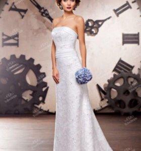 Свадебное платье со шлейфом To be bride