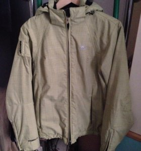 Зимняя куртка ,новая ,размер S