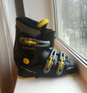 Ботинки горнолыжные р.37