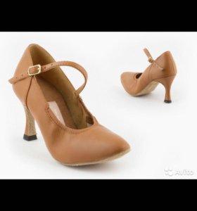 Танцевальные туфли, стандарт