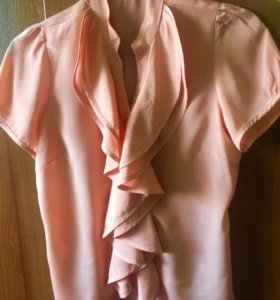 Блуза персикового цвета