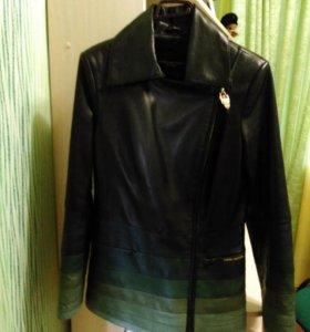 Куртка кожаная DONNA BACCONI .