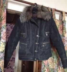 Осенняя куртка с натуральным мех и пальто бардовое
