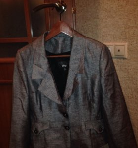 Пиджак с юбкой