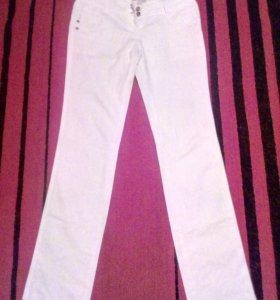 Продаются женские брюки