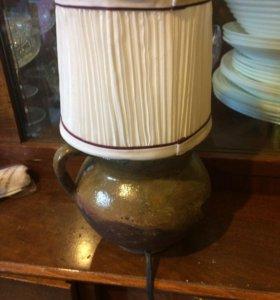Настольная лампа с основой из домашнего горшочка