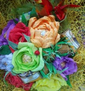 Золотая осень— букеты из конфет и чая