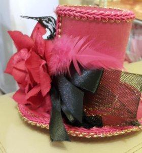 Шляпка и очень красивое платье