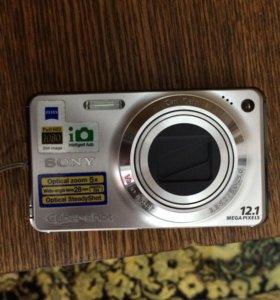 Цифровой фотоаппарат SONI 12.1 пикселей сайбершот