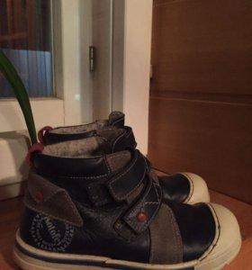 Ботинки 29размер