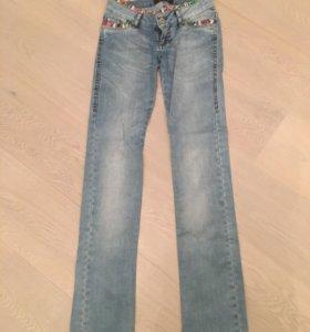 Зауженные джинсы roberto cavalli