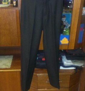 брюки школьные,кальсоны.