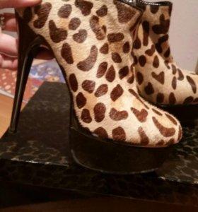 Ботинки из натуральной кожи и натурального меха