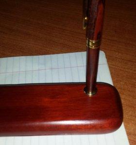 Новые Ручки в футляре (натуральное красное дерево)
