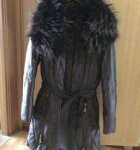 Зимнее пальто(пуховик).