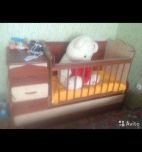 Детский кровать трансформер очень в хорошем состоя