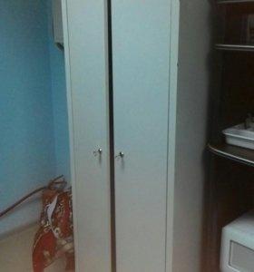Шкаф металический для одежды