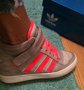 Кроссовки Adidas, размер 36