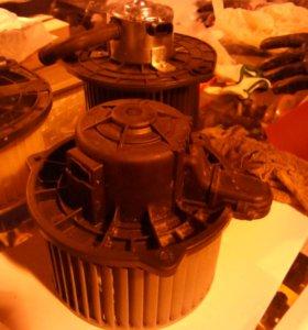 Мотор печки приора